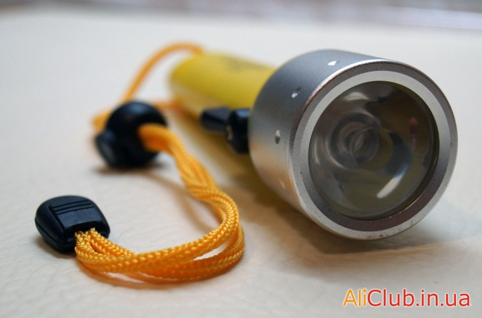 Sports, leisure,  tourism: Simple underwater lights for scuba diving and hunting