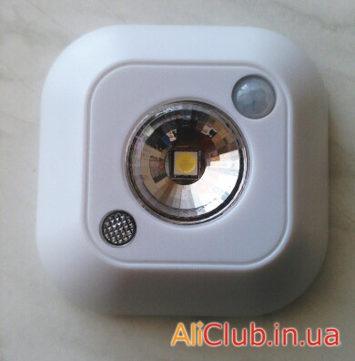 electronics: IR LED Lamp with a motion sensor and ambient light (night light ZK60400)